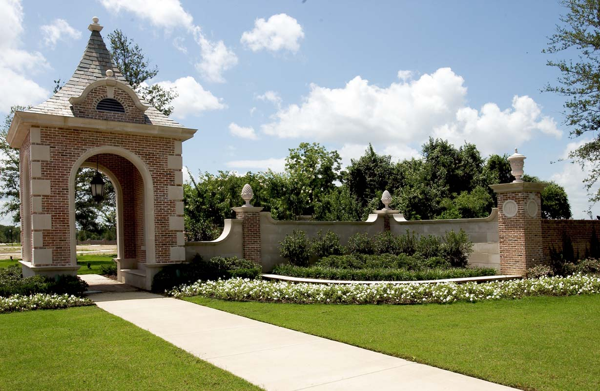 Where is miramount pictures in kardashian for Majestic homes bryan tx
